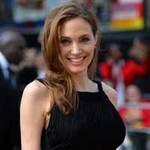 Ngôi sao điện ảnh - Angelina hút hồn sau phẫu thuật