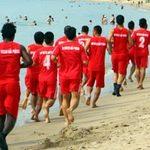 """Bóng đá - V.HP """"luyện công"""" trên biển Nha Trang"""