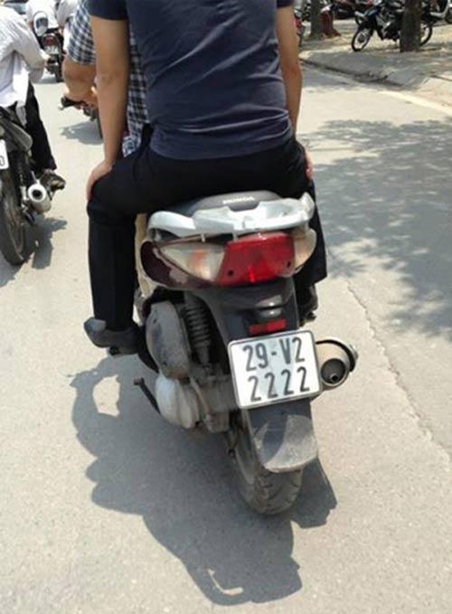Ô tô-Xe máy - Biển số xe máy tiền triệu của Hà Nội (Hình 3).
