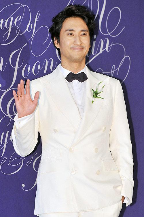 """Kim Jae Won """"ăn cơm trước kẻng"""" - 3"""