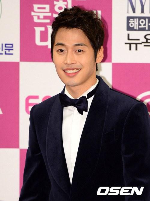 """Kim Jae Won """"ăn cơm trước kẻng"""" - 1"""
