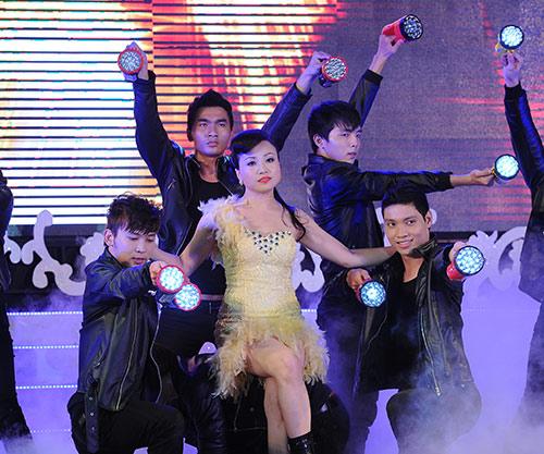 """Hoàng Châu tung DVD liveshow """"khủng"""" - 1"""