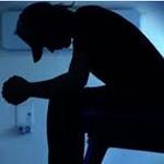 An ninh Xã hội - Chồng bỗng nhiên đâm thủng bụng vợ rồi tự tử