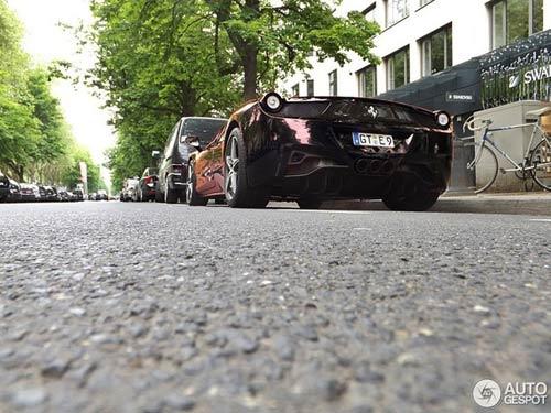 Ferrari 458 Italia màu 'độc' xuống phố - 5