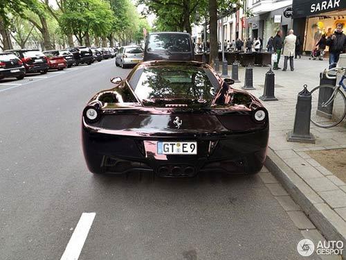Ferrari 458 Italia màu 'độc' xuống phố - 6