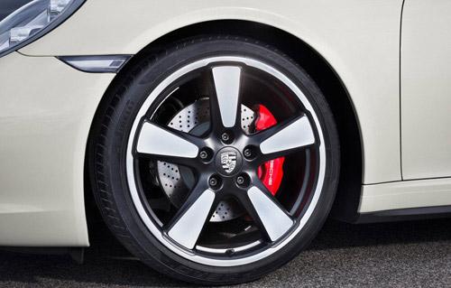 Porsche 911 bản đặc biệt giá 124.100 USD - 11