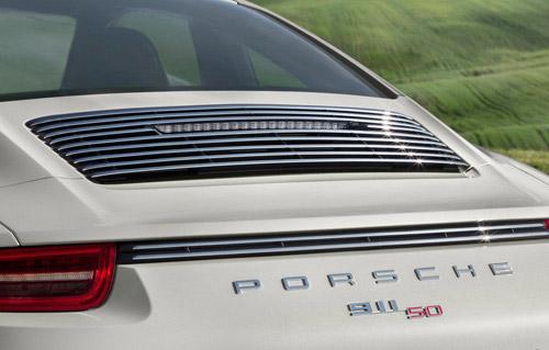 Porsche 911 bản đặc biệt giá 124.100 USD - 12