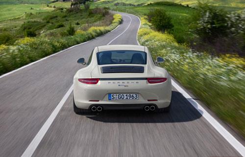 Porsche 911 bản đặc biệt giá 124.100 USD - 4