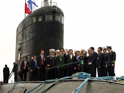 Hoàn tất thử nghiệm tàu ngầm Hà Nội - 2