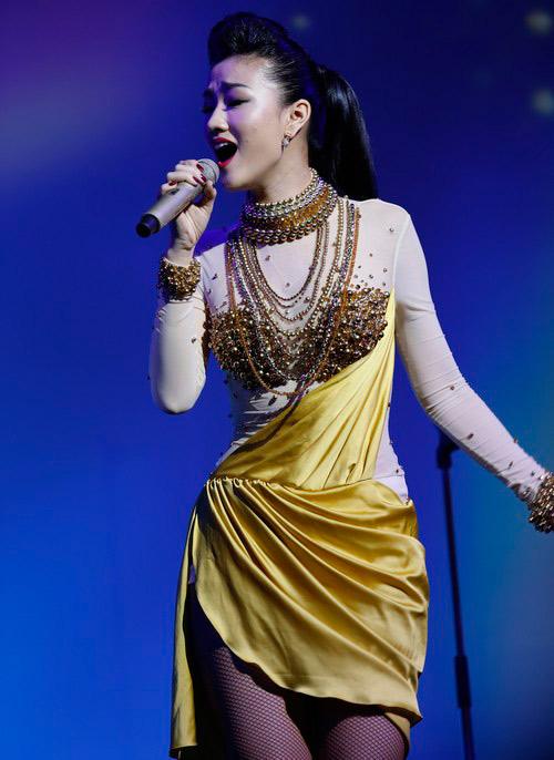 Maya đẹp hút hồn trên sân khấu, Ca nhạc - MTV, Maya, ca si Maya, vo trong phuc, Vietnam got talent, uyen linh, Vietnam idol, ngoi sao, am nhac, ca nhac