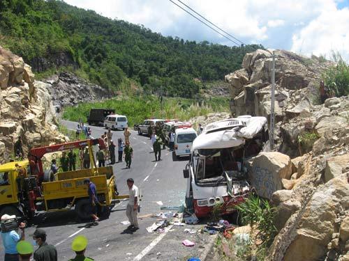 Ô tô lao vào vách núi: Lời kể nạn nhân - 1