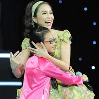 Cô bé 10 tuổi khiến Hiền Thục bật khóc
