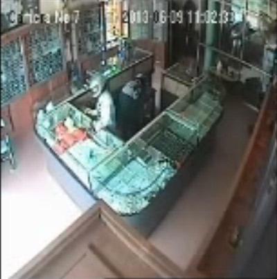 Nổ súng cướp tiệm vàng ở Thái Nguyên - 1