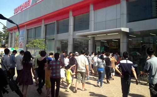 """Topcare Minh Khai """"làm nóng"""" thị trường điện máy - 1"""
