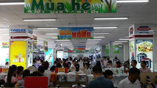 """Topcare Minh Khai """"làm nóng"""" thị trường điện máy - 4"""