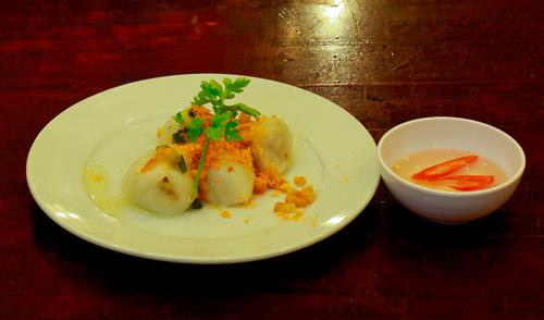 Ẩm thực Nam bộ: Bánh khọt Cô Ba Vũng Tàu - 7