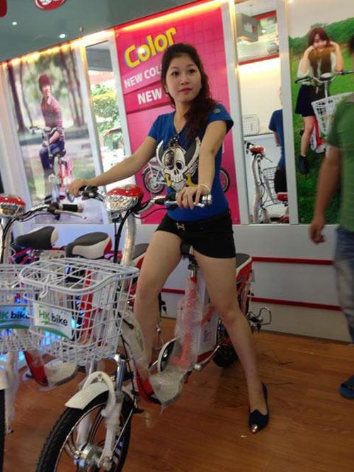 """Xe HKbike tăng giá vẫn """"hút khách"""" - 1"""
