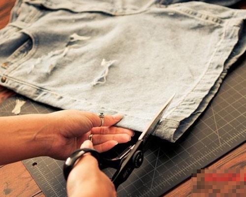 Tự tay làm quần jeans rách cực chất! - 3