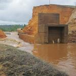 Tin tức trong ngày - Dân kinh hoàng kể lại vụ vỡ đập thủy điện