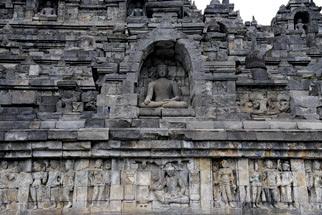 Khám phá vẻ đẹp đền thiêng Borobudur - 2