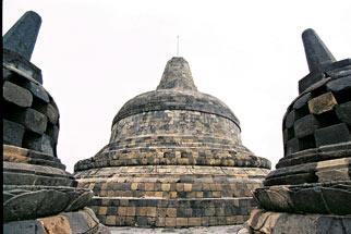 Khám phá vẻ đẹp đền thiêng Borobudur - 7
