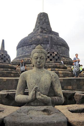 Khám phá vẻ đẹp đền thiêng Borobudur - 9
