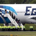 Tin tức trong ngày - Bị dọa đánh bom, Boeing 777 hạ cánh khẩn cấp