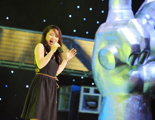 """Quốc Trung bị """"chọc quê"""" tại The Voice - 5"""