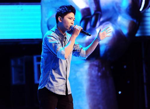 """Mr. Đàm chọc Quốc Trung """"quên uống thuốc"""", Ca nhạc - MTV, giong hat Viet, giong hat Viet 2013, the voice, the voice 2013, GHV, Quoc Trung, Mr Dam, Hong Nhung, My Linh, thi sinh, ngoi sao, tin tuc"""