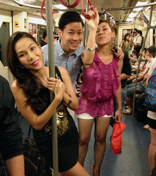 Khánh Ngọc múa cột trên tàu điện ngầm, Ca nhạc - MTV, Khanh Ngoc, khanh Ngoc du hi thai lan, quach tuan du, duc tien, mc anh quan, ca si, am nhac, ca nhac