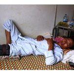 An ninh Xã hội - Phó công an xã bị tố đánh dân vỡ đầu gối
