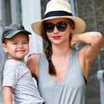 Thời trang - Mẹ con Miranda Kerr sáng bừng góc phố