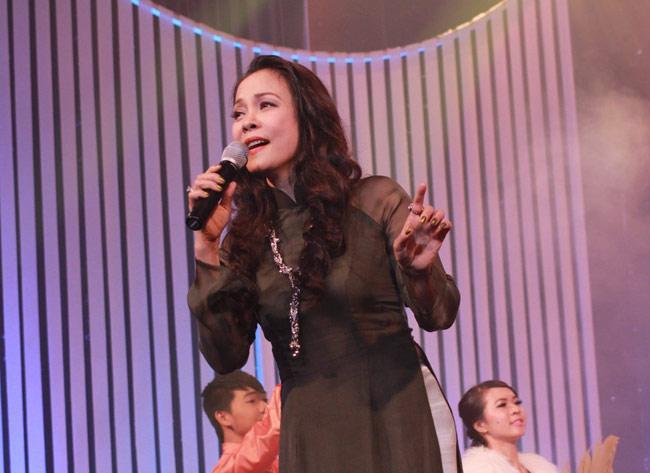 Quang Linh hát một mạch 7 ca khúc Phạm Duy, Ca nhạc - MTV, quang linh, tinh khuc vuot thoi gian, tinh ca, dang the phong, pham duy, ca sy, ngoi sao, ca nhac