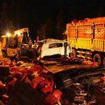 Tin tức trong ngày - Hai xe tải tông nhau, 6 người thương vong
