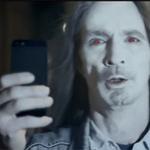 Nokia chê iPhone 5 chụp người như thây ma