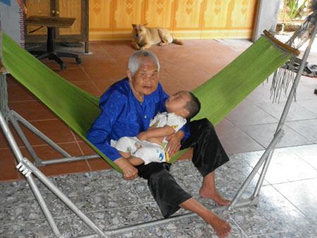 Bí quyết sống lâu của các cụ trăm tuổi ở VN - 1