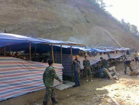 Hoang tàn mỏ khai thác vàng ở Lai Châu - 1