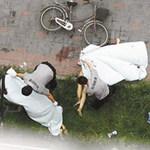 """Tin tức trong ngày - TQ: Chết vì mải """"yêu"""" trên cửa sổ"""