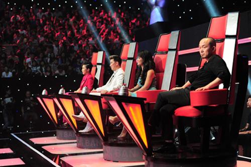 The Voice: Hé lộ hình ảnh 4 HLV trong vòng Đối đầu - 6