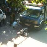 Tin tức trong ngày - Chở em gái dự thi ĐH, bị xe tải cán chết