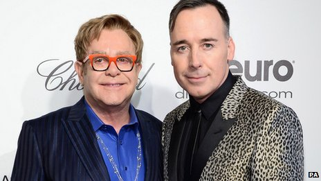 Elton John cưới bạn trai đồng tính sau 20 năm gắn bó - 4
