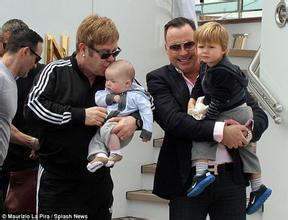 Elton John cưới bạn trai đồng tính sau 20 năm gắn bó - 3