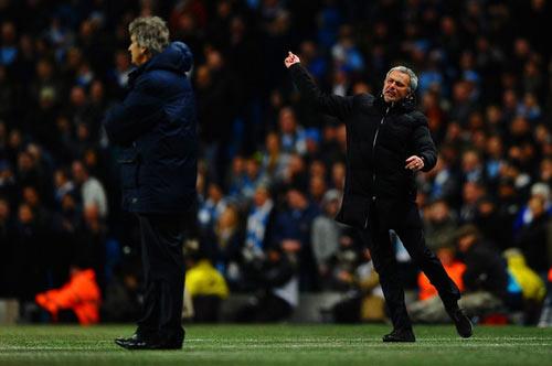 Mourinho: Mất NHA, vô địch Champions League? - 1