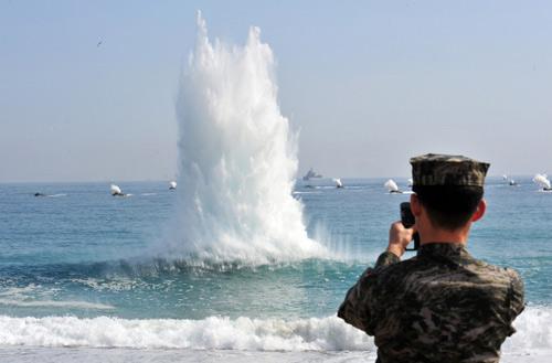 """Hàn Quốc: Đấu pháo với Triều Tiên là """"phù hợp"""" - 1"""