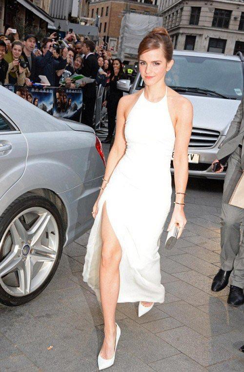 Thót tim vì đôi chân của Emma Watson - 3