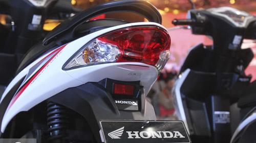 Ra mắt xe tay ga Honda Vario 110 FI nhỏ gọn - 6
