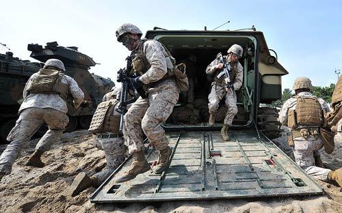 Chùm ảnh: Quân đội Mỹ - Hàn tập trận đổ bộ - 11