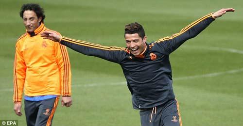 """""""Ronaldo đã quên những tiếng la ó"""" - 1"""