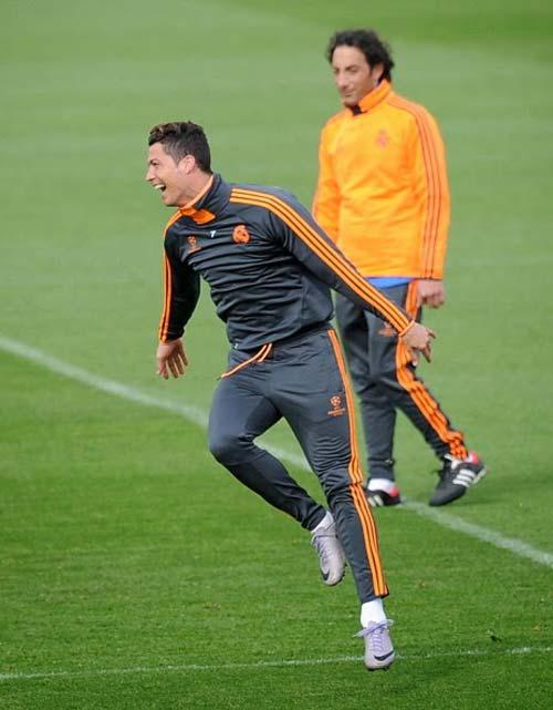 """""""Ronaldo đã quên những tiếng la ó"""" - 2"""