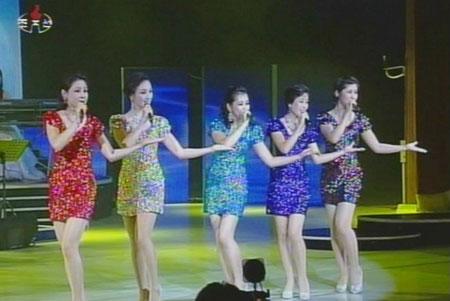 Vì ghen, vợ Kim Jong-un bỏ tù nữ ca sỹ - 3